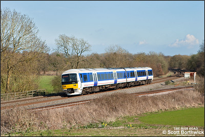 165013 forms 2R48 1632 MO STP Leamington Spa-Birmingham Moor Street passing Hatton North Jnct on 06/04/2015.