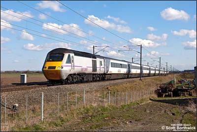 43251/43316 form 1N21 1430 London King's Cross-Newcastle passing Broad Fen Lane, Claypole on 03/04/2013.