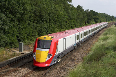 460002 speeds past Salfords on 20/06/2005 whilst forming 1U66 1620 Gatwick Airport-London Victoria.