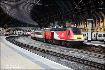 43311 calls at York with 1W96 1200 London Kings Cross-Inverness on 05/12/2019.