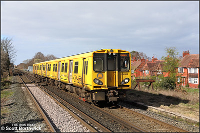 508108 approaches Port Sunlight whilst forming 2C32 1400 SuO Chester-Chester via Liverpool Central on 24/03/2019.