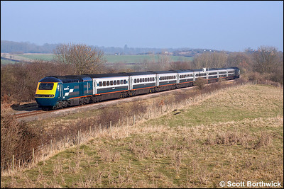 43081 brings up the rear of 1F16 1025 London St Pancras-Sheffield, headed by 43064 at Glendon Sidings on 28/01/2006.