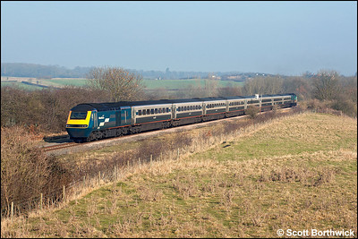 43066/43077 pass Glendon Sidings with 1C23 0945 Sheffield-London St Pancras on 28/01/2006.