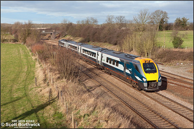 An unidentified Class 222 'Meridian' unit passes Sharnbrook on 03/01/2005 whilst working 1C22 1020 Derby-London St Pancras.