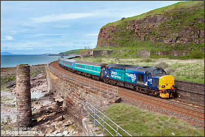 37423 'Spirit of the Lakes' top & tails 37606 whilst forming 2C34 1433 SO Carlisle-Barrow in Furness passing Redness Point, Whitehaven on 30/05/2015.