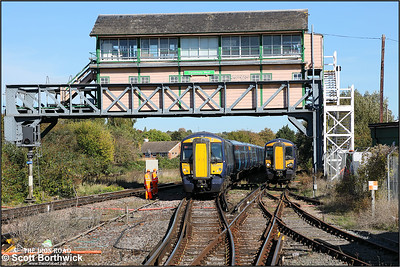 375612+375829 form 2W40 1219 Ramsgate-London Charing Cross arriving at Canterbury West on 09/10/2018. 377517 is to the right and will follow this service into the platform to form 2A40 1305 Canterbury West-London Victoria East.