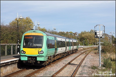 171729 calls at Rye whilst forming 2D34 1249 Eastbourne-Ashford on 12/10/2018.