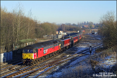 47733 'Eastern Star' drags 90013 'The Law Society' forming 1G19 0835 London Euston-Wolverhampton at a frosty Whitacre Junction on 05/01/2003.