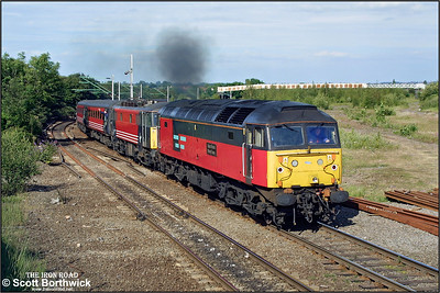 47790 'Saint David/Dewi Sant' turns on the power as it drags 86259 and 1G33 1510 London Euston-Wolverhampton up the bank at Nuneaton Abbey Street on 29/06/2002