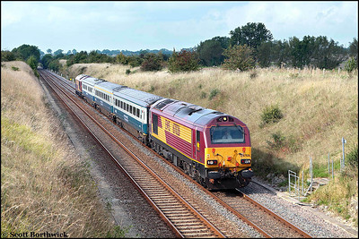 67026 and 67019 top & tail 1P13 1110 Wrexham General-London Marylebone passing Fritwell on 22/09/2008.