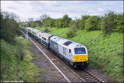 67014 and 67012 top & tail the first northbound revenue earning service for WSMR, 1J80 0645 London Marylebone-Wrexham General at Old Milverton on 28/04/2008.