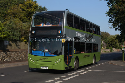 15586, 404DCD, Stagecoach in the South Downs