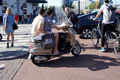 Nederland, Amsterdam, chaotische verkeerssituatie  aan het begin van het Damrak,kruising  Prins Hendrikkade22-07-2019, foto: Katrien Mulder/Hollandse Hoogte