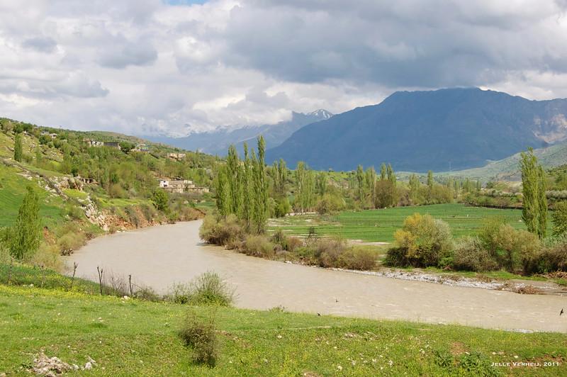 A walk along the Sason River