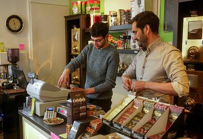 Nederland, Amsterdam, 01-05-2019,  Javaplein,  koffie-en theespeciaalzaak QAHWA D'OR, foto: Katrien Mulder