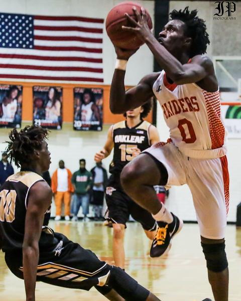 Raider Basketball vs. Oakleaf: Photos by Jake Pulver