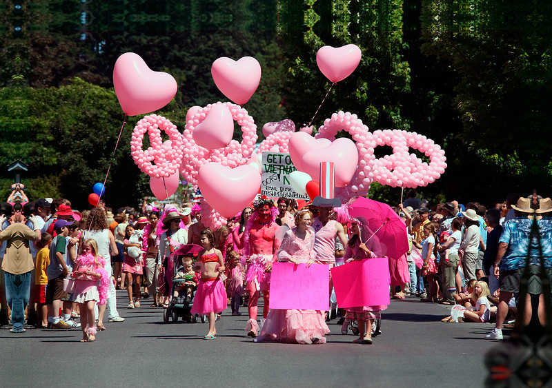 ESD_summer_parade_2007_pink_IMG_0537_28 5x40 5