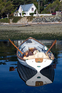 boat_stern_white_house_12x18_002