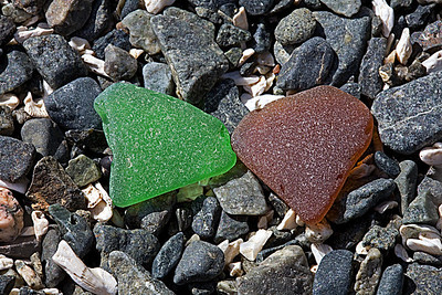 green_brown_seaglass_MG_7636