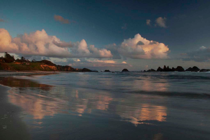 Getting ready for our last sunset together - Seal Rock State Park, Oregon - Jenny Cummings - May 2011