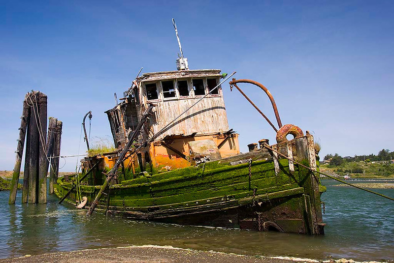 Mary D. Hume Shipwreck - Rogue River, Oregon - Jerry Negele - June 2007