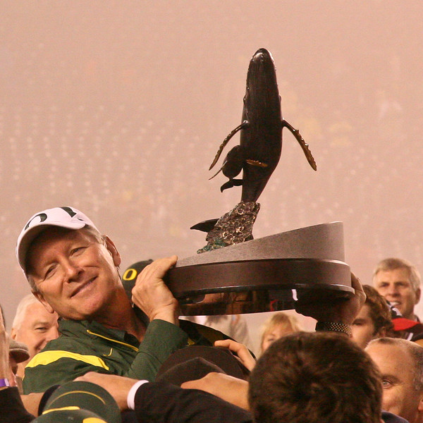 Mike Bellotti closes out his coaching career with a Holiday Bowl win