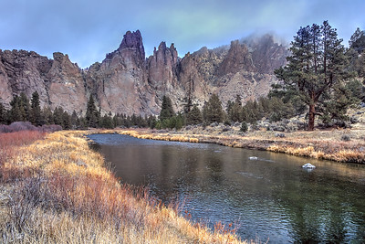 Crooked River Rocks