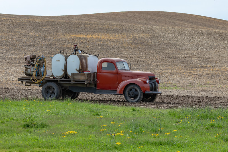 Old farming truck