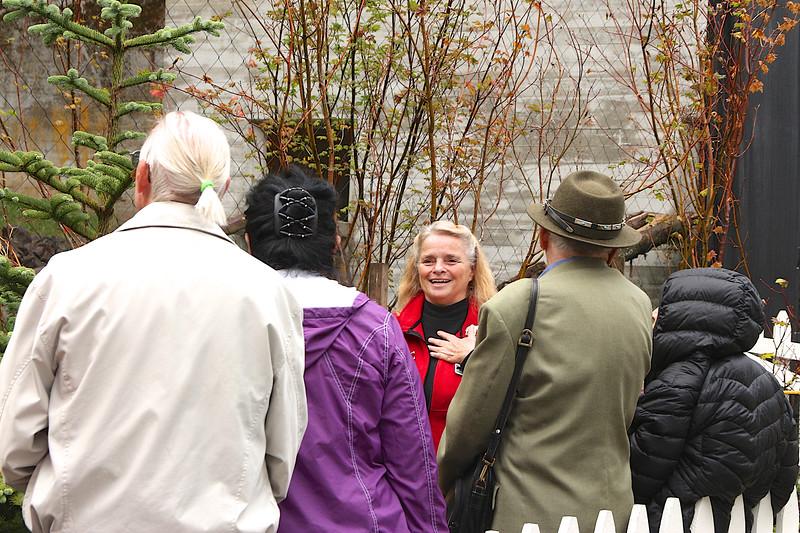 oregon Zoo Guide Jeanne Butcher talks to Zoofari 2014 guests about the California Condor