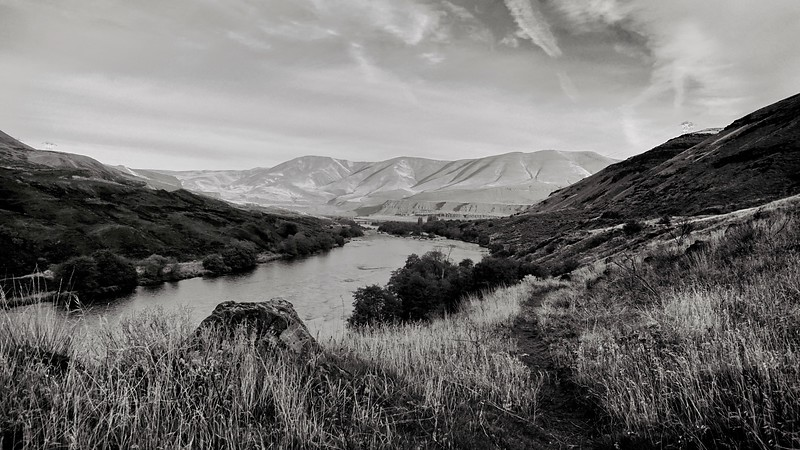 Deschutes River Looking North