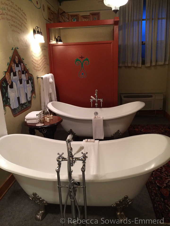 After our ski we checked into our hotel, McMenamins, which had this incredible bathroom. The tubs felt great after skiing!