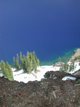 Turquoise shore of Crater Lake