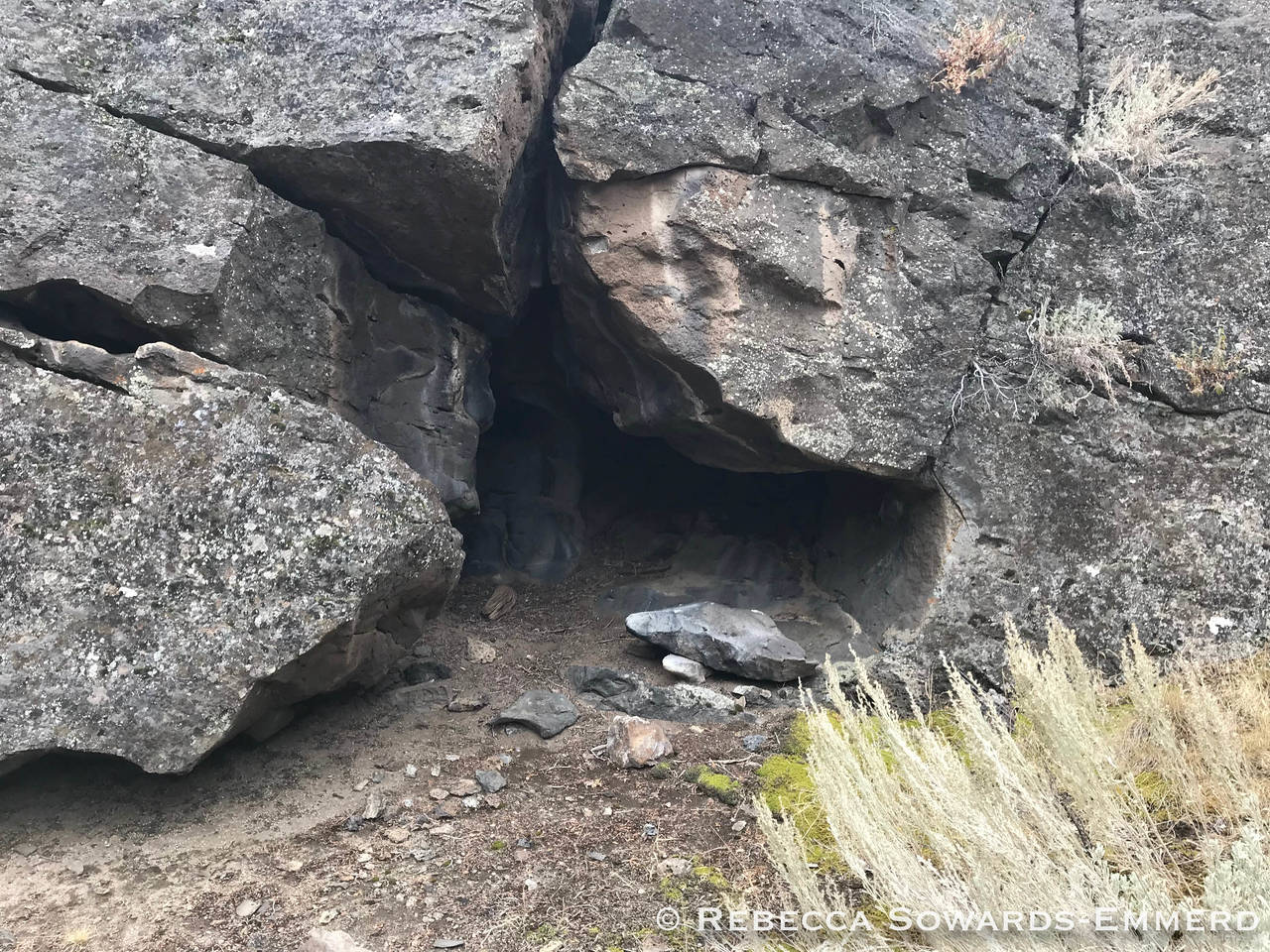 Signs of fire in a lot of the little caves.