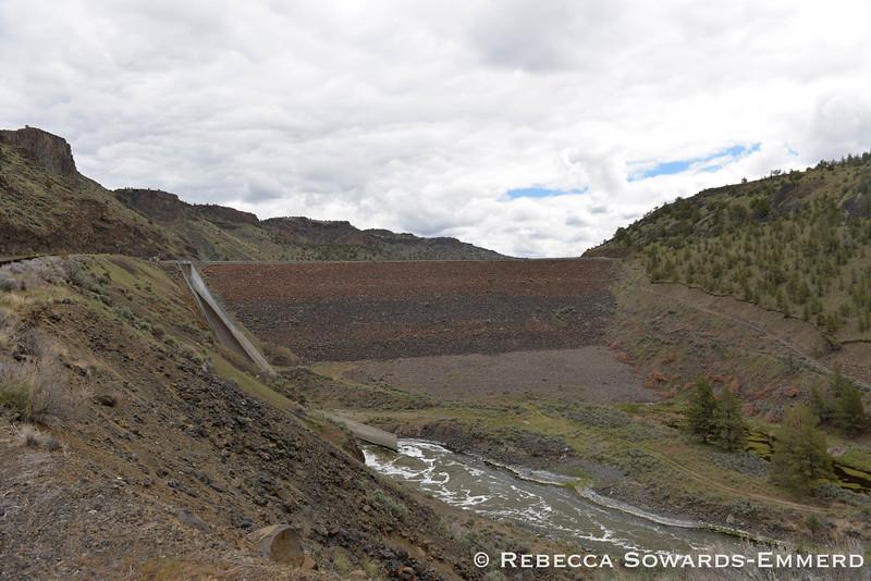 The dam at Prineville Reservoir