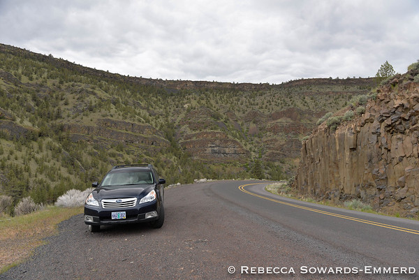 Turning the other way - the road drops to the river level in between these amazing rock walls.