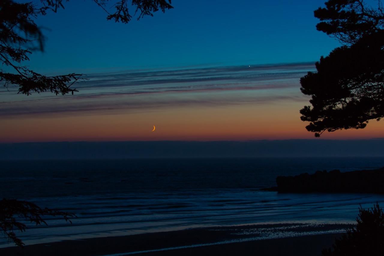 Pacific Setting Crescent