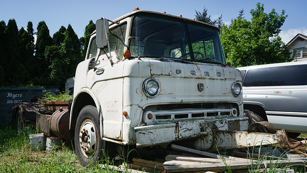 Meyers 1973 Ford 8000 Superior Chain Roll Off