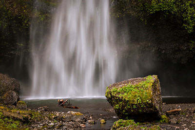 Multnomah Falls in Oregon.  Photo by Kyle Spradley | www.kspradleyphoto.com
