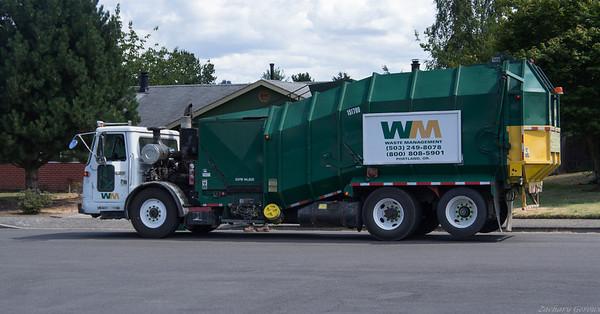 Waste Management Volvo WXLL Amrep
