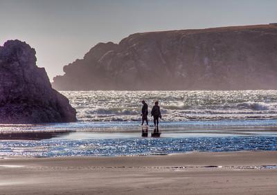 oregon-coast-beach-walking