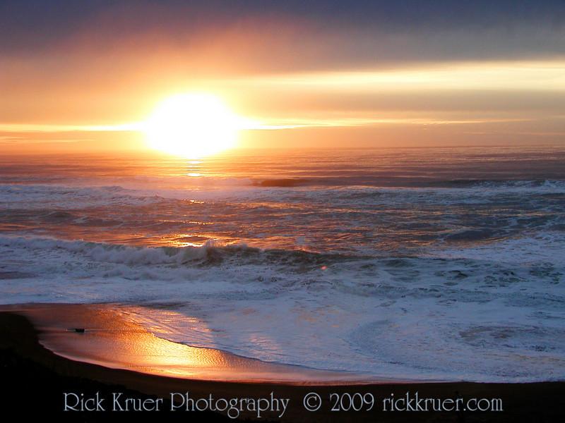 Oregon Ocean Sunset Reflecting (P1011897-SunsetTexture-3-max.jpg)