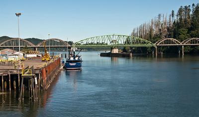 umpqua-river-bridge