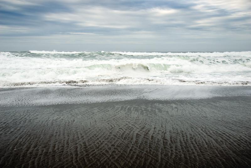 Winter Wave Patterns on the Oregon Coast<br /> Gleneden Beach, Oregon<br /> November 2008<br /> <br /> Copyright © 2008 Rick Kruer<br /> rickkruer.com<br /> <br /> D200_20081128_1341_DSC_8267-SeafoamWaveCurls-nice-2.psd