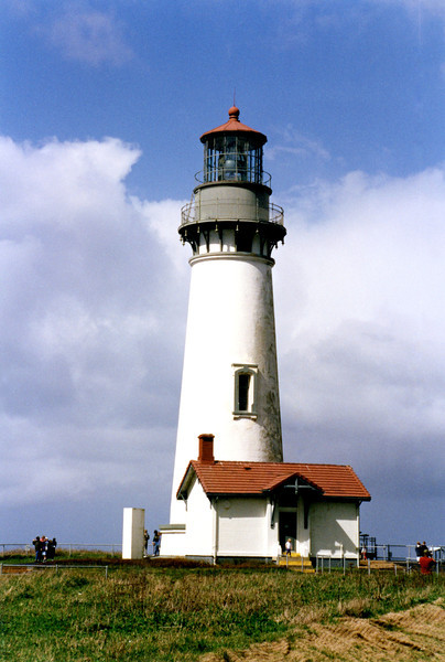 Construction on the Yaquina Head Light was begun in 1871. The U.S. Army Corps of Engineers used 370,000 bricks which were shipped from San Francisco to build the tower.