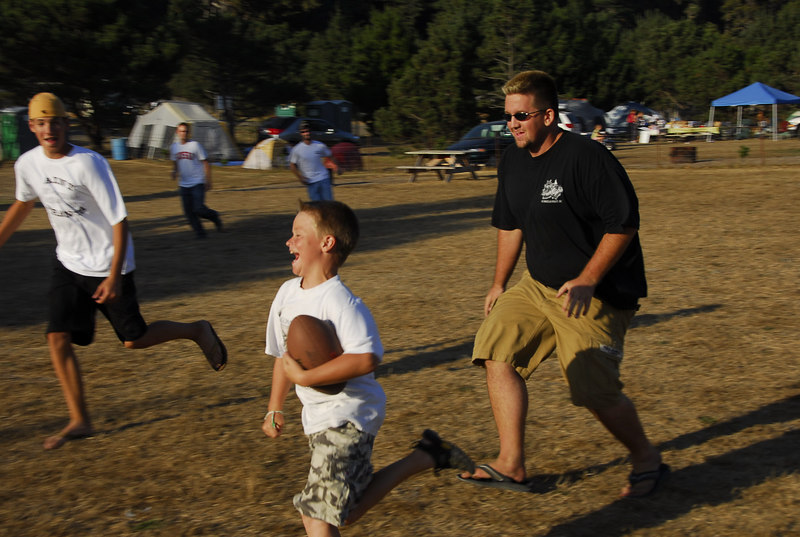 Chris pulling his moves on Patrick.  It's more fun when you outrun the big guys.