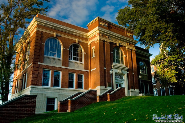 Poling Hall at Monmouth College