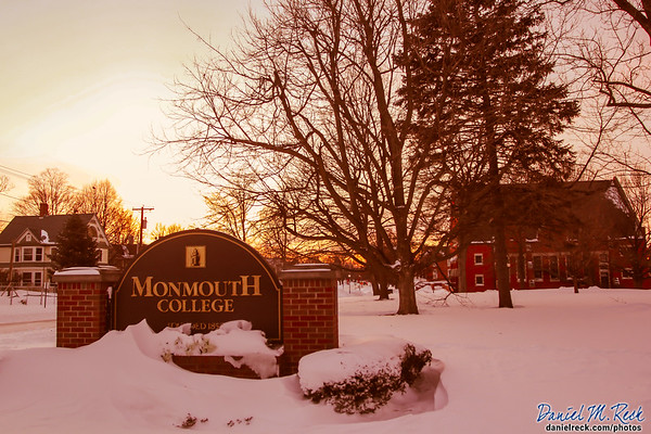 Welcome to Snowy Monmouth College