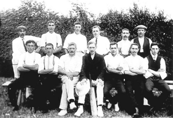 <font size=3><u> - Cricket Team - 1900s </u></font> (BS0266)  David Lane has original and can name some.   Benson Cricket team. David Lane's Grandad is in the photo aged about 25.