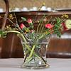 Er staan veel verse bloemen in het Kasteel