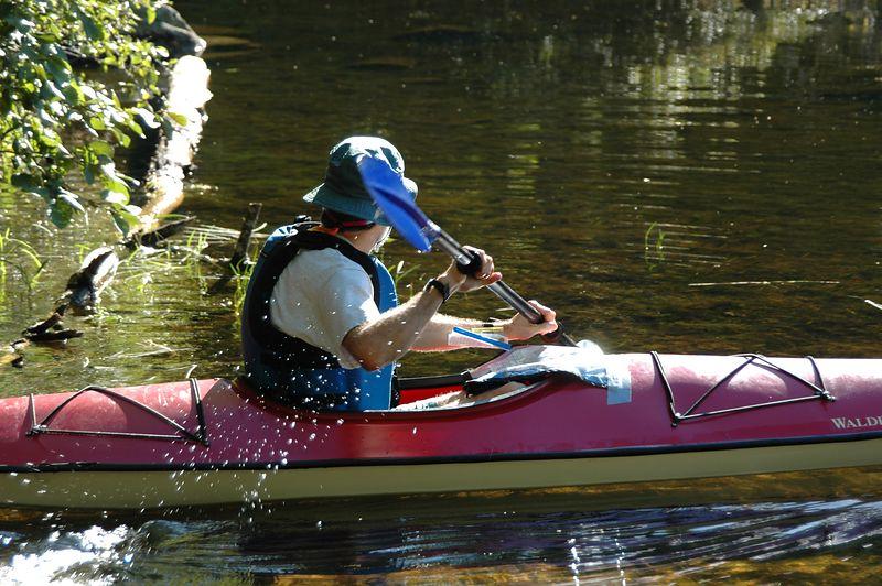 <b>Darrell Scott leaves the canoe launch</b>   (Sep 11, 2004, 09:09am)